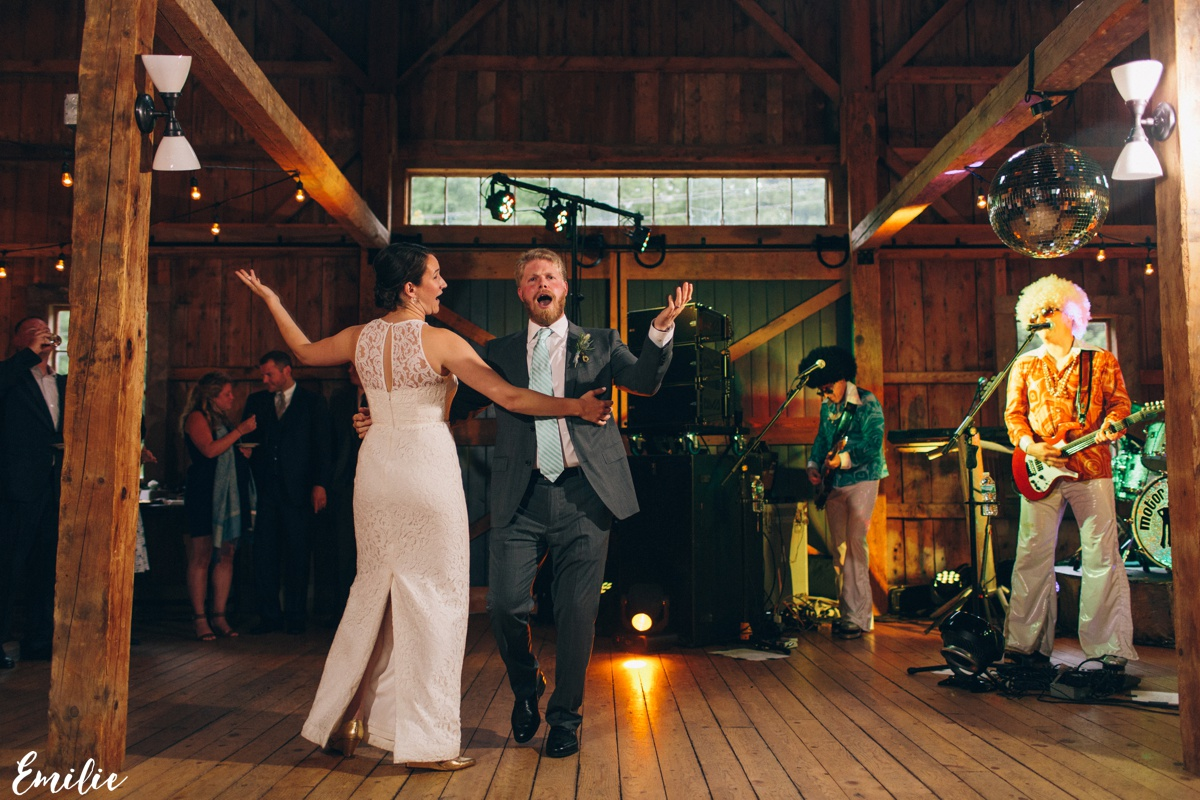 barn_flanagan_farm_maine_wedding_emilie_inc_0075