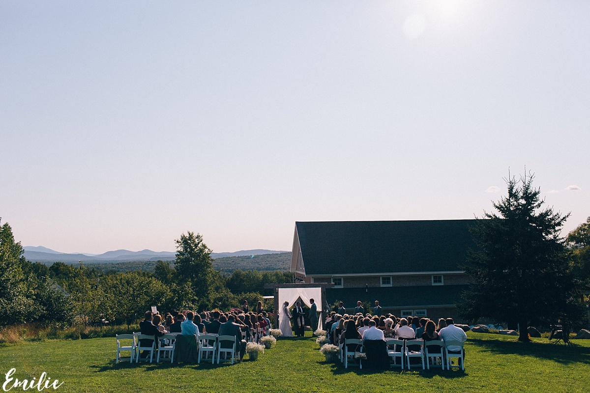bellevue_barn_jefferson_new_hampshire_wedding_emilie_inc_0034