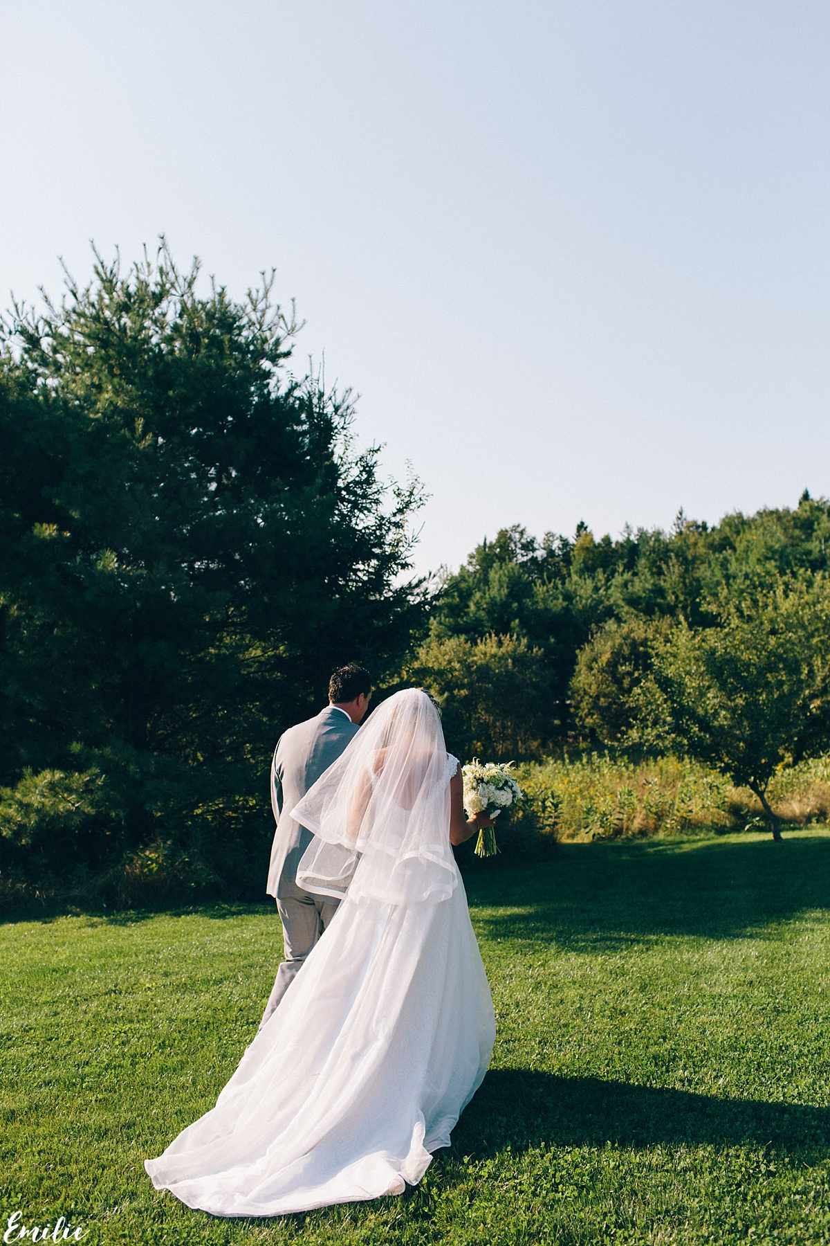 bellevue_barn_jefferson_new_hampshire_wedding_emilie_inc_0040