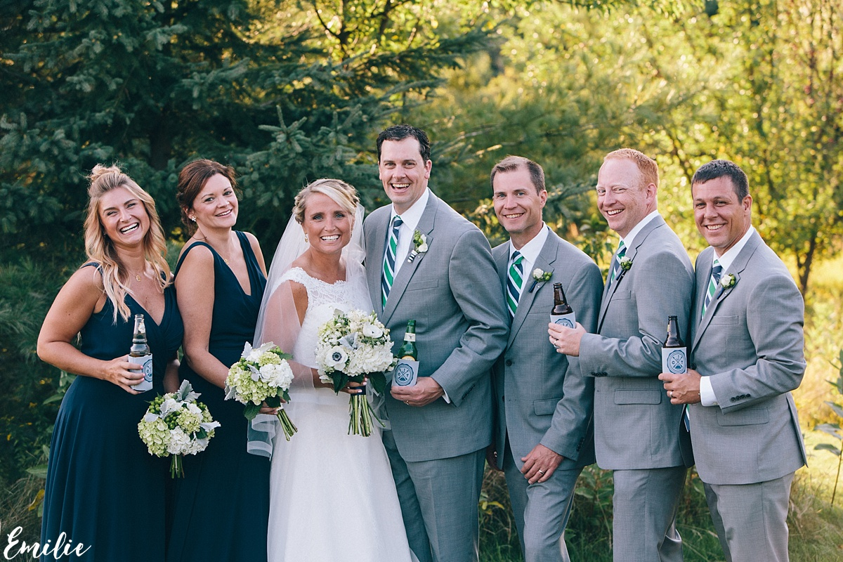 bellevue_barn_jefferson_new_hampshire_wedding_emilie_inc_0041
