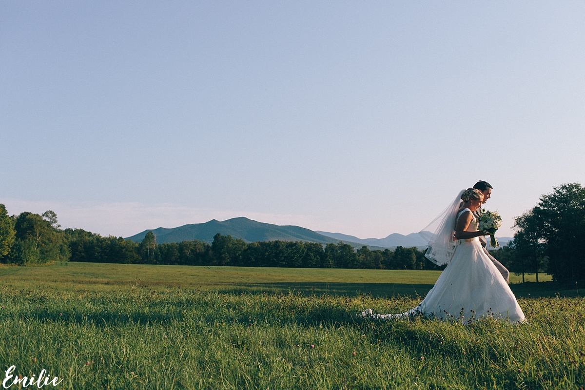 bellevue_barn_jefferson_new_hampshire_wedding_emilie_inc_0046