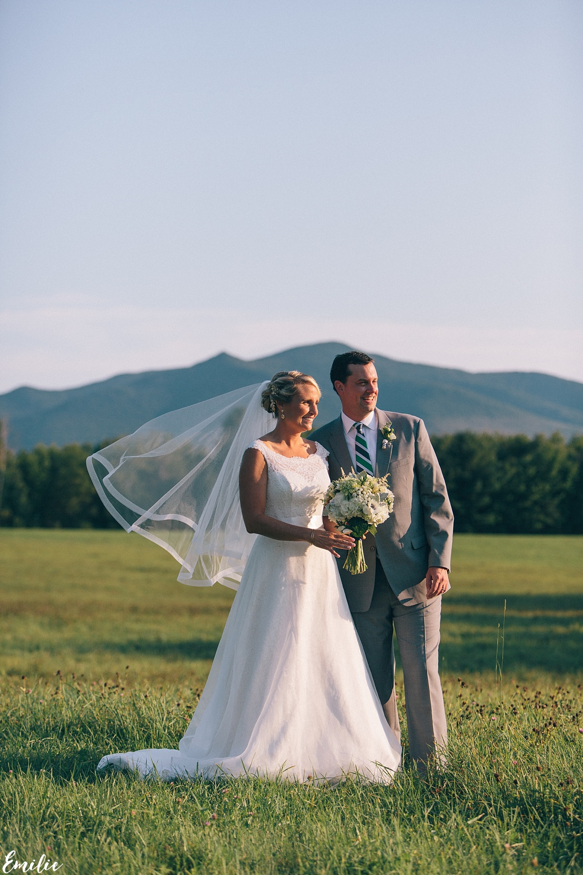 bellevue_barn_jefferson_new_hampshire_wedding_emilie_inc_0047