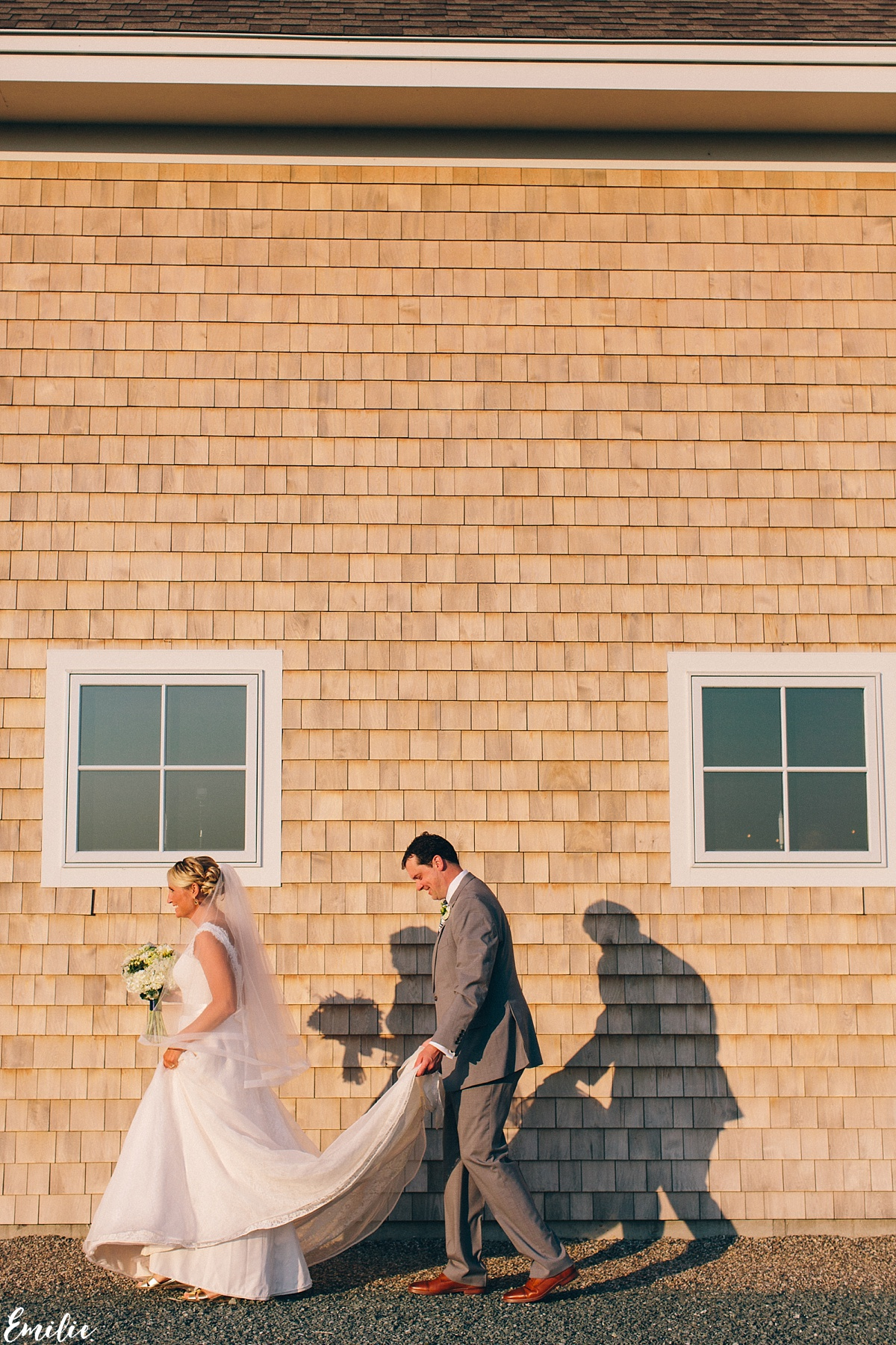 bellevue_barn_jefferson_new_hampshire_wedding_emilie_inc_0052