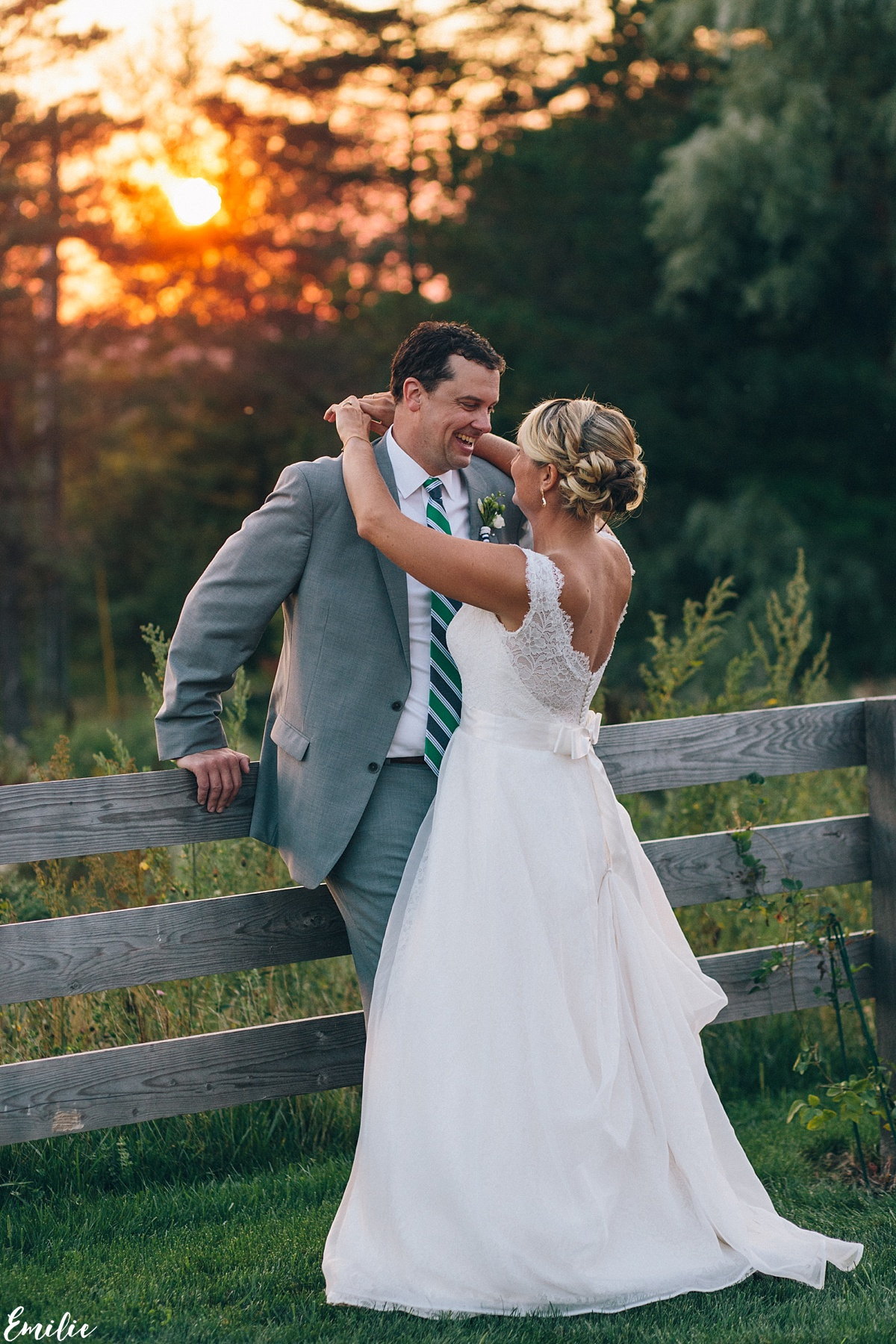 bellevue_barn_jefferson_new_hampshire_wedding_emilie_inc_0058