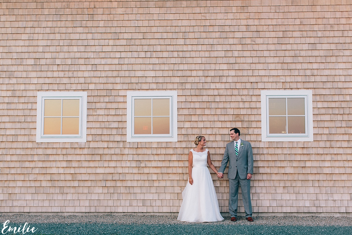 bellevue_barn_jefferson_new_hampshire_wedding_emilie_inc_0059