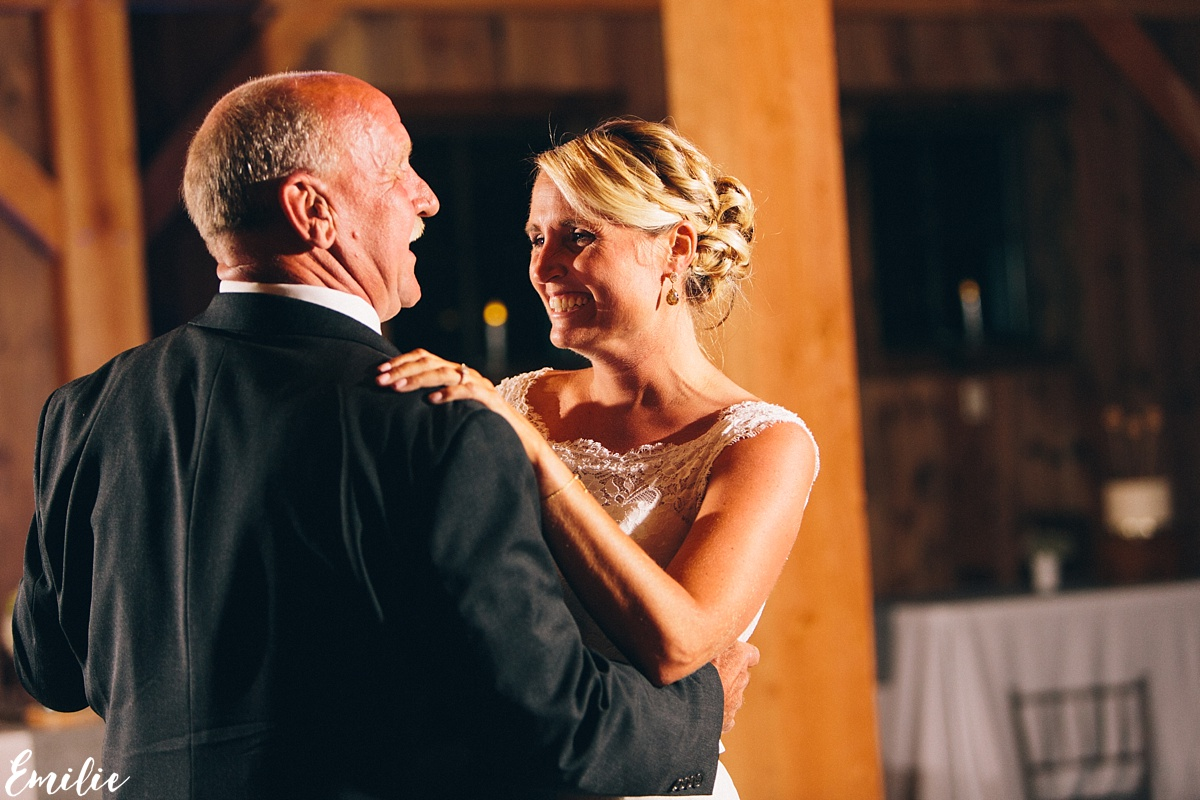 bellevue_barn_jefferson_new_hampshire_wedding_emilie_inc_0070