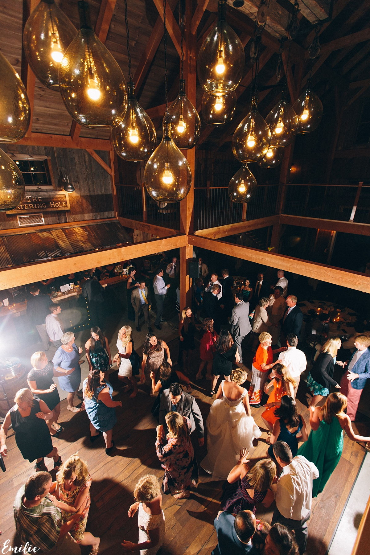 bellevue_barn_jefferson_new_hampshire_wedding_emilie_inc_0075