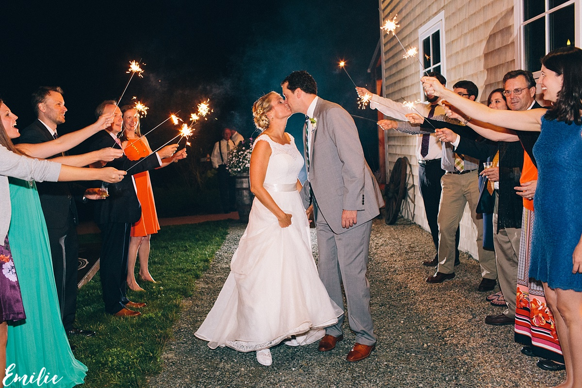 bellevue_barn_jefferson_new_hampshire_wedding_emilie_inc_0080